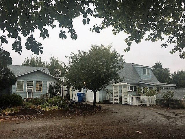 1258 N 45th E, Idaho Falls, ID 83401 (MLS #2110818) :: The Perfect Home-Five Doors