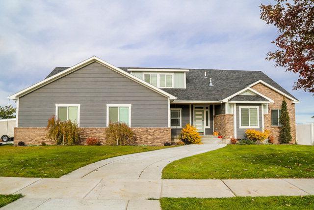 6369 E Tower Castle Loop, Idaho Falls, ID 83406 (MLS #2111195) :: The Perfect Home-Five Doors