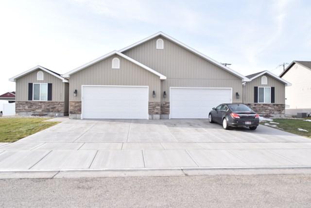 3660 Delaware Avenue, Idaho Falls, ID 83404 (MLS #2112382) :: The Perfect Home-Five Doors
