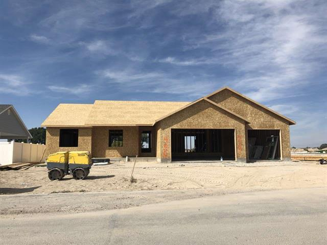 4887 Jake Avenue, Chubbuck, ID 83202 (MLS #2117913) :: The Perfect Home-Five Doors