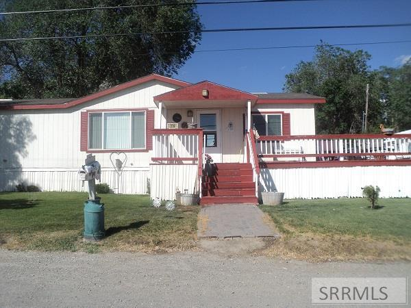 319 N East Street, Arco, ID 83213 (MLS #2123244) :: Team One Group Real Estate