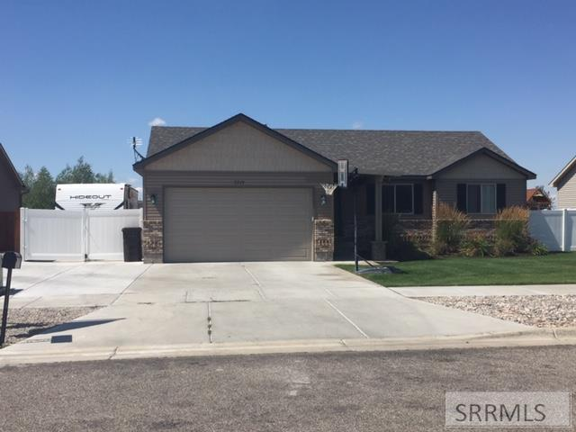 3519 N Volcanic Avenue, Idaho Falls, ID 83401 (MLS #2124113) :: The Group Real Estate