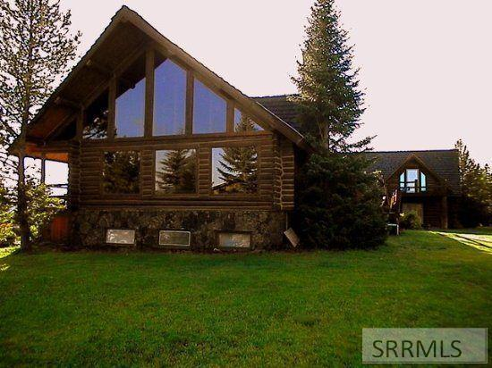 4194 Grand View Road, Island Park, ID 83429 (MLS #2124189) :: The Perfect Home