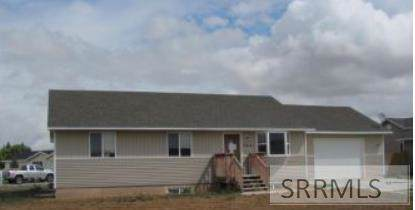 2681 E 95 N, Idaho Falls, ID 83401 (MLS #2125047) :: The Perfect Home