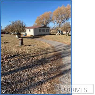 1743 E 100 N, Rexburg, ID 83440 (MLS #2126030) :: The Perfect Home