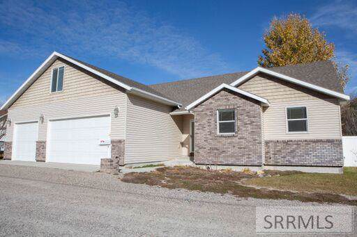 1441 Larry Lane, Blackfoot, ID 83221 (MLS #2126374) :: The Perfect Home