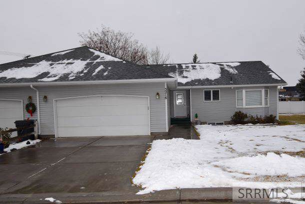 3216 Chaparral Drive, Idaho Falls, ID 83404 (MLS #2126494) :: The Perfect Home