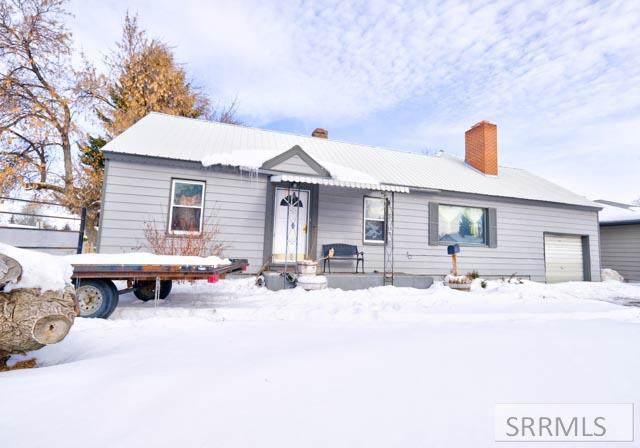 305 E 17th Street, Idaho Falls, ID 83404 (MLS #2126902) :: The Perfect Home