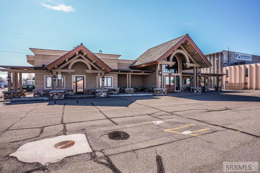 3758 Yellowstone Hwy - Photo 1