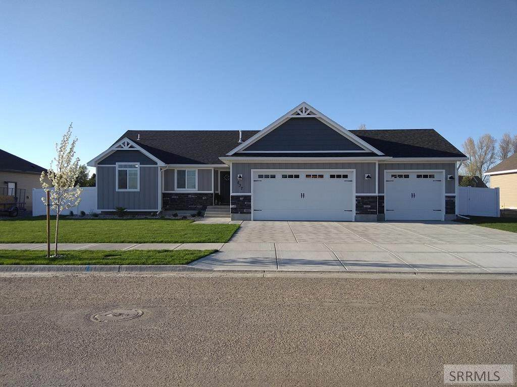 637 Sterling Drive - Photo 1