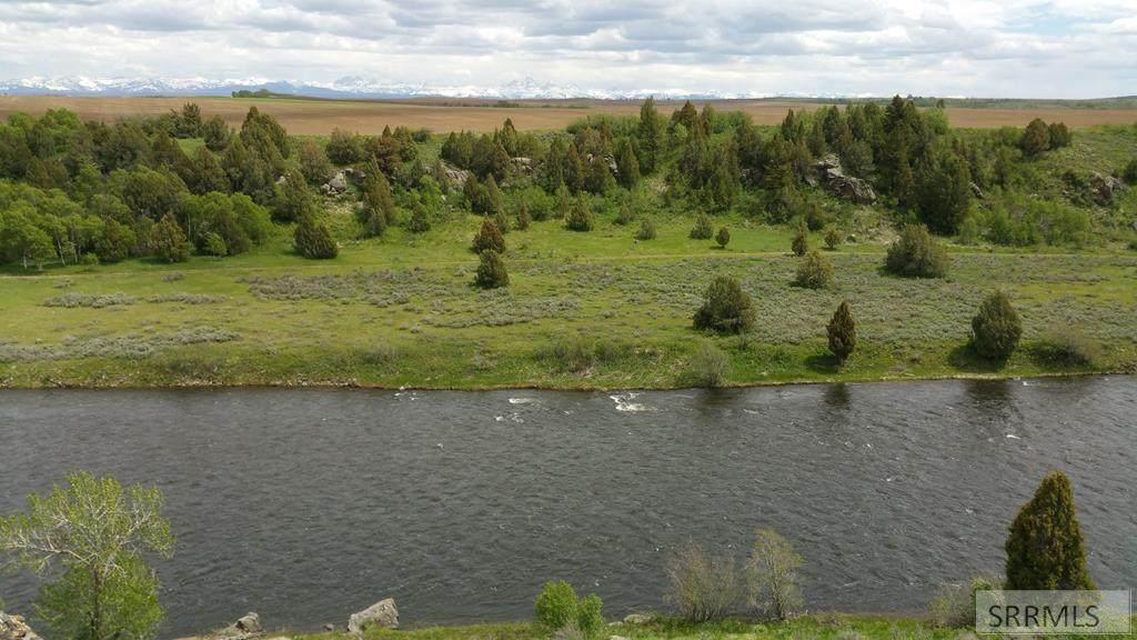 1070 Reserve Circle - Photo 1