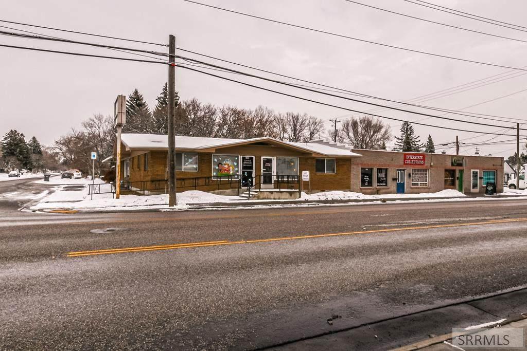 366 Holmes Avenue - Photo 1