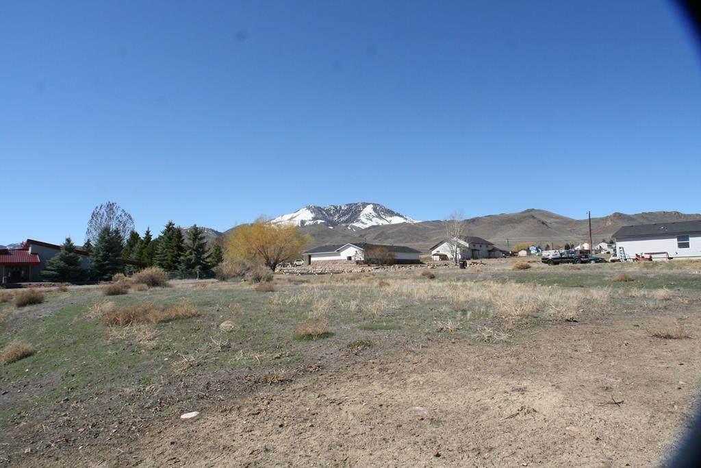 831 Custer Street - Photo 1