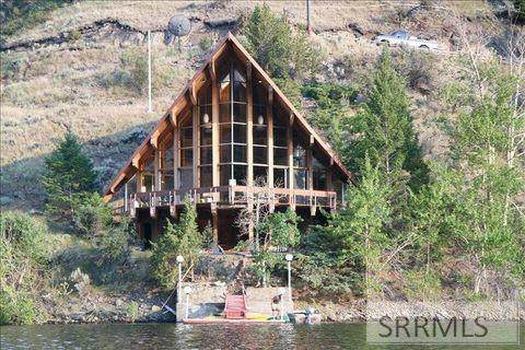 61 S Shoreline Drive, Salmon, ID 83467 (MLS #2135618) :: Team One Group Real Estate