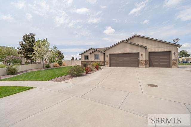 3143 N Sagebrush Circle, Iona, ID 83427 (MLS #2137387) :: Team One Group Real Estate