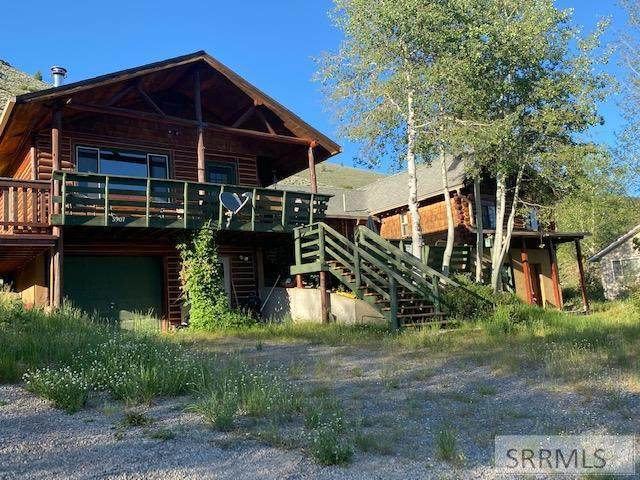 3907 Canyon Road, Island Park, ID 83429 (MLS #2137413) :: Team One Group Real Estate