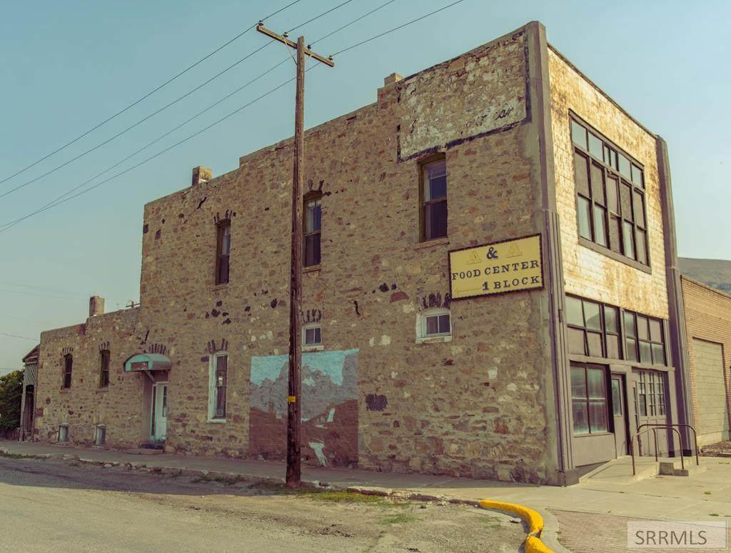 160 Grand Avenue - Photo 1