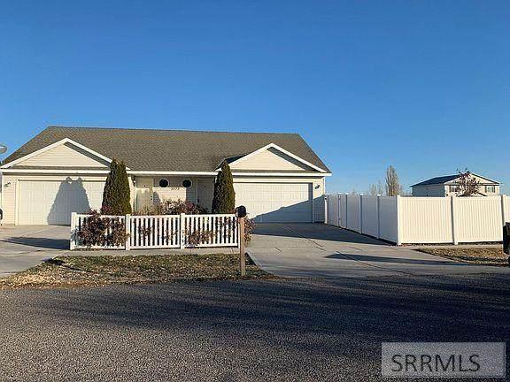 3573 Deloy Drive A & B, Idaho Falls, ID 83401 (MLS #2138403) :: Team One Group Real Estate