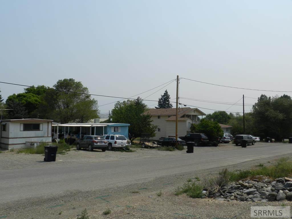 403-407 Neyman Street - Photo 1