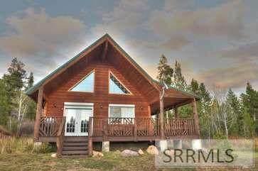 4095 Savage Drive, Island Park, ID 83429 (MLS #2140344) :: Team One Group Real Estate
