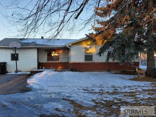 4628 N 15th E, Idaho Falls, ID 83401 (MLS #2134405) :: Silvercreek Realty Group