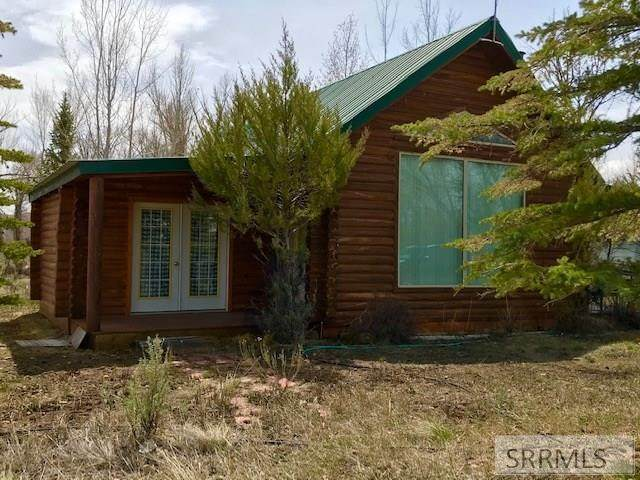 5044 Serenity Lane, Mackay, ID 83255 (MLS #2129276) :: Team One Group Real Estate