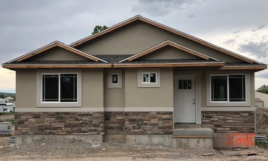 1880 N 37 E, Idaho Falls, ID 83402 (MLS #2115649) :: The Perfect Home