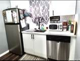 7045 Woodley Avenue - Photo 8