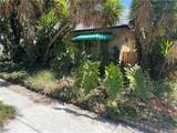 1204 Larrabee Street - Photo 1