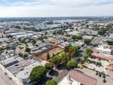 15525 Paramount Boulevard - Photo 3
