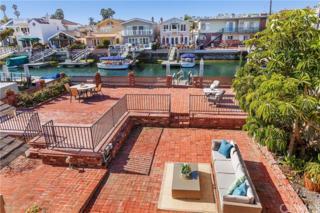 515 36th Street, Newport Beach, CA 92663 (#OC17061610) :: Fred Sed Realty
