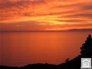 13 Saint Maxime, Laguna Niguel, CA 92677 (#OC17085842) :: Fred Sed Realty
