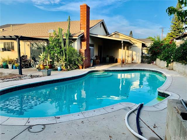 2532 Grove Avenue, Corona, CA 92882 (#OC21145510) :: A|G Amaya Group Real Estate