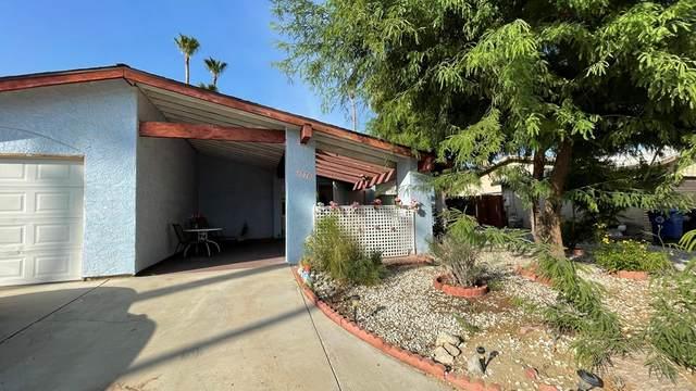 3770 E Mesquite Avenue, Palm Springs, CA 92264 (#219064545DA) :: Robyn Icenhower & Associates