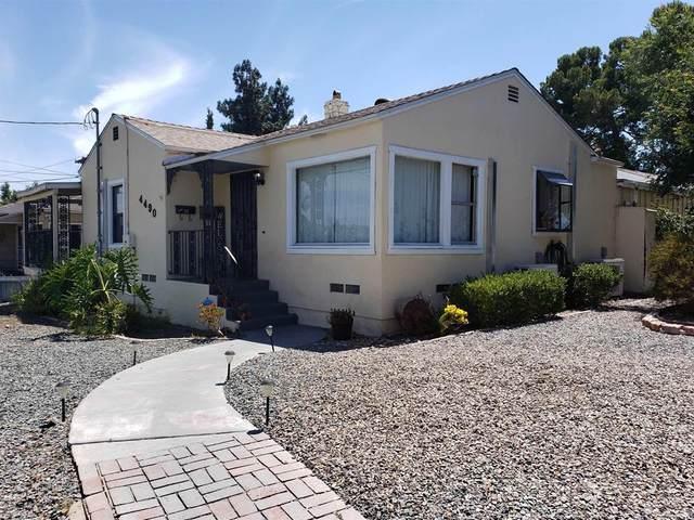 4490 Pomona Ave, La Mesa, CA 91942 (#PTP2104810) :: Latrice Deluna Homes