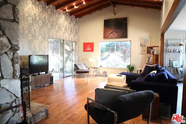 8410 Vine Valley Drive, Sun Valley, CA 91352 (#21759152) :: Legacy 15 Real Estate Brokers