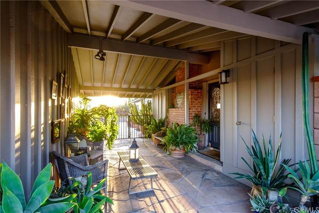 10561 Mahoney Drive, Shadow Hills, CA 91040 (#EV21151350) :: Corcoran Global Living
