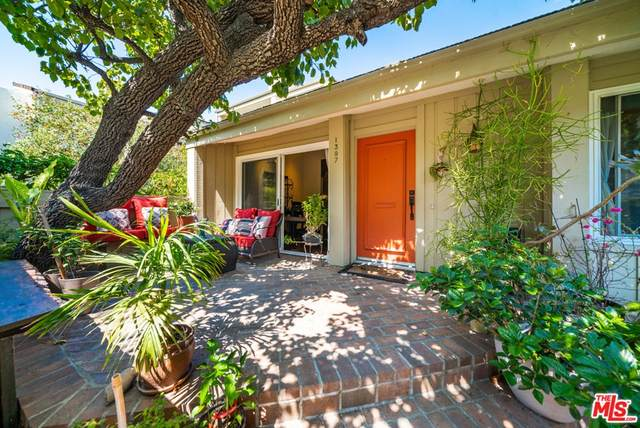 1397 Palisades Drive, Pacific Palisades, CA 90272 (#21761968) :: The Marelly Group | Sentry Residential
