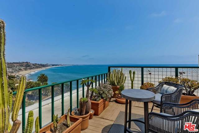 17352 W Sunset Boulevard Ph4, Pacific Palisades, CA 90272 (#21763110) :: The Marelly Group | Sentry Residential