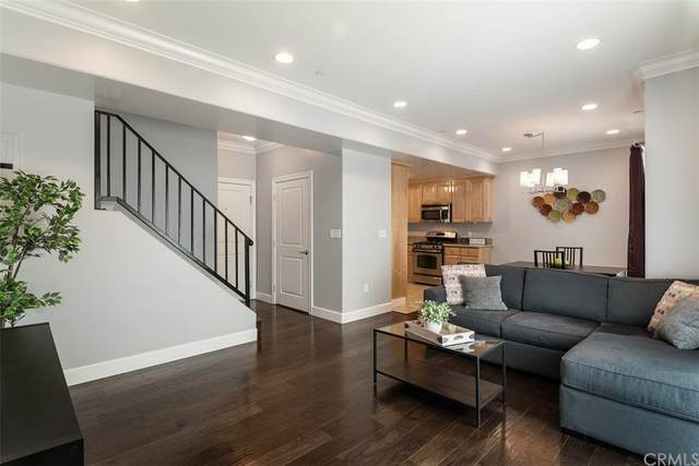 5335 Cartwright Avenue #3, North Hollywood, CA 91601 (#BB21158749) :: Doherty Real Estate Group