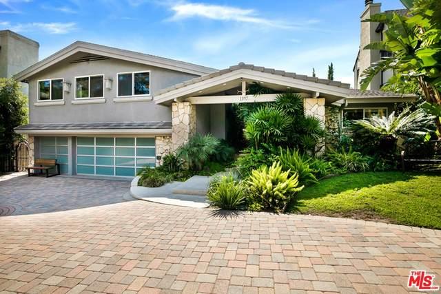 1547 Hillcrest Avenue, Glendale, CA 91202 (#21763450) :: Latrice Deluna Homes