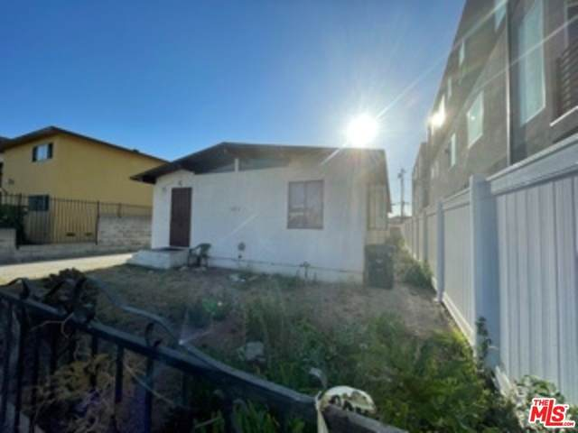 1853 S Longwood Avenue, Los Angeles (City), CA 90019 (#21761670) :: The Marelly Group   Sentry Residential