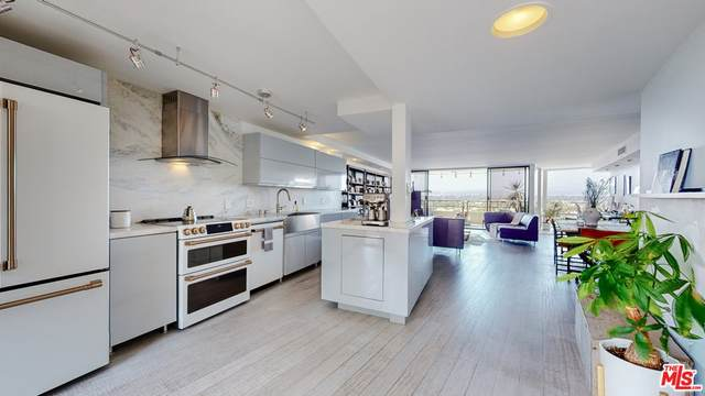 4265 Marina City Drive #817, Marina Del Rey, CA 90292 (#21763870) :: Jett Real Estate Group
