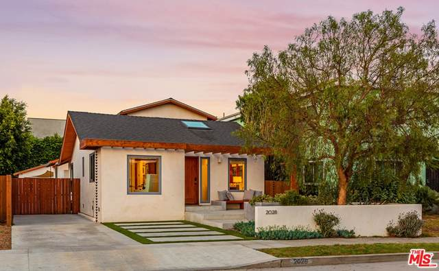 2028 Colby Avenue, Los Angeles (City), CA 90025 (#21761460) :: The Kohler Group