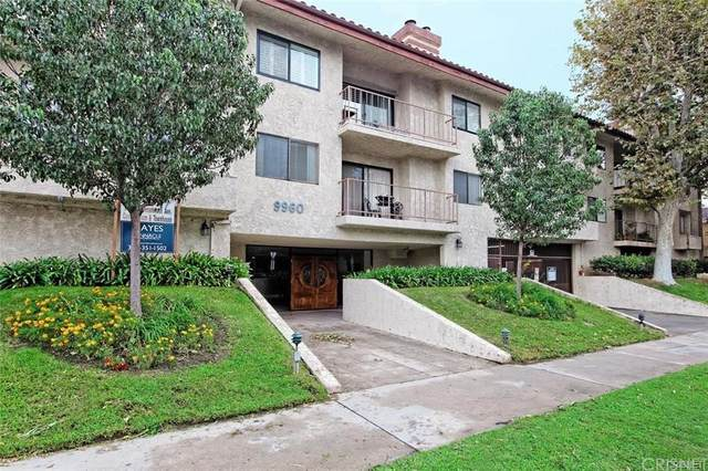 9960 Owensmouth Avenue #3, Chatsworth, CA 91311 (#SR21160872) :: Eight Luxe Homes