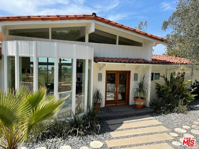571 Paseo Miramar, Pacific Palisades, CA 90272 (#21763988) :: The Marelly Group | Sentry Residential