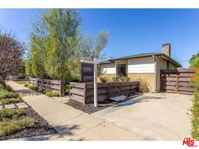 12857 Admiral Avenue, Los Angeles (City), CA 90066 (#21758222) :: The Costantino Group | Cal American Homes and Realty