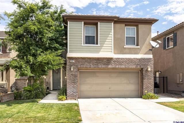 20027 Holly Drive, Saugus, CA 91350 (#320006819) :: Latrice Deluna Homes