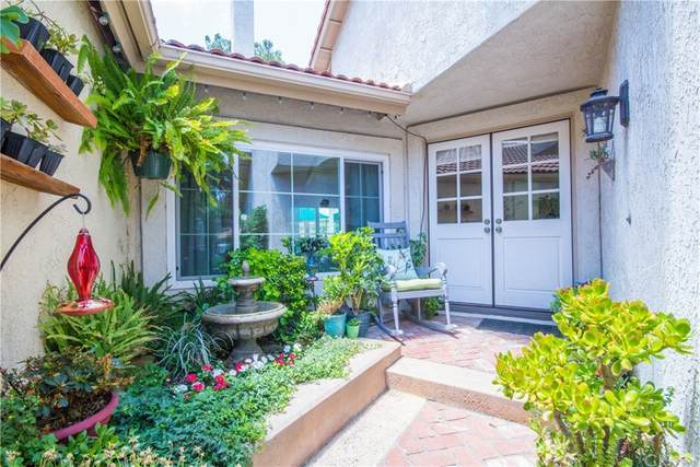 7 Windy Hill Lane #77, Laguna Hills, CA 92653 (#OC21158706) :: Pam Spadafore & Associates
