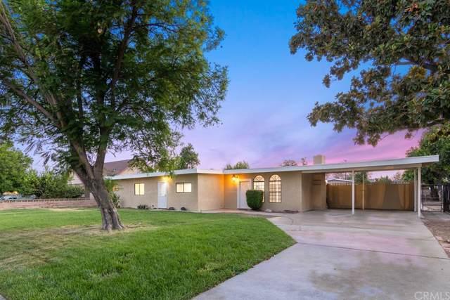 9494 Mango Avenue, Fontana, CA 92335 (#SW21146334) :: Jett Real Estate Group
